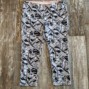 MARIKA capri/cropped swirl leggings sz 1 (12-14)